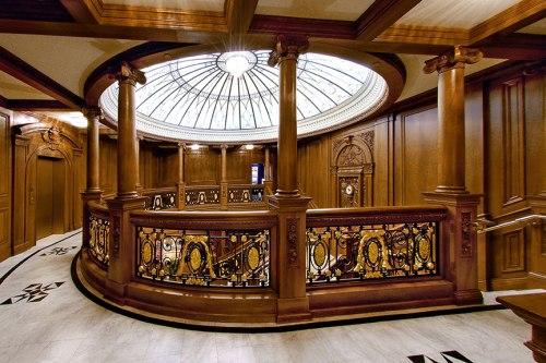 titanic-attraction-grand-staircase01sm