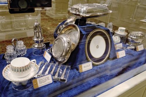titanic-pigeon-forge-display01