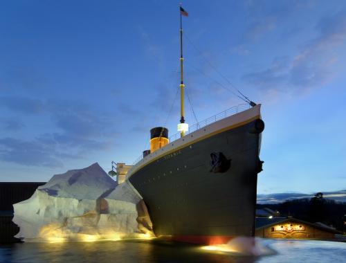 titanic-pigeon-forge-exterior11